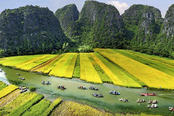 Tour Sài Gòn – Hà Nội – Sapa – Cát Cái – Hàm Rồng